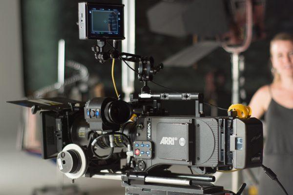 3-Pasos-para-elegir-la-cámara--de-vídeo-adecuada