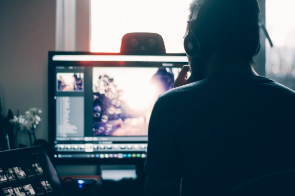 intro-¿Eres-diseñador-profesional-¿Utilizas-tu-PC-para-la-edición-de-vídeo